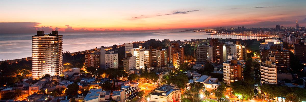 Pasajes baratos a Montevideo en micro desde Buenos Aires.