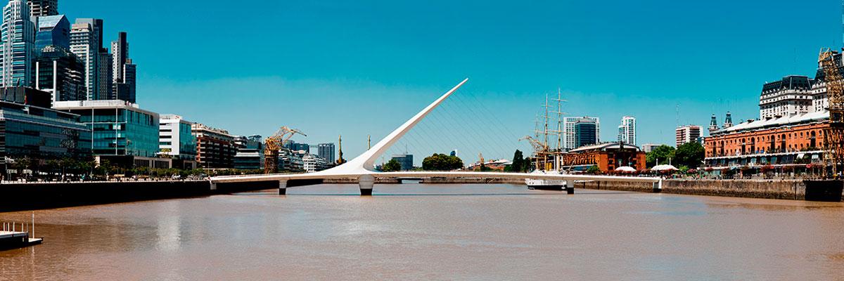 Pasajes baratos a Buenos Aires en micro desde Montevideo.